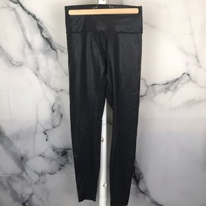Lululemon shiny leggings in size 8